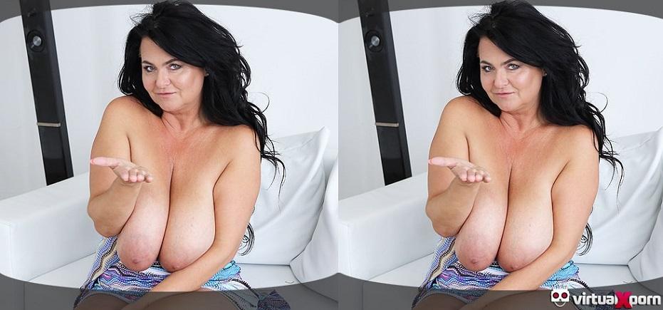 Gigantic Tits Mature MILF Busty Reny Masturbates in Solo VR Porn Video